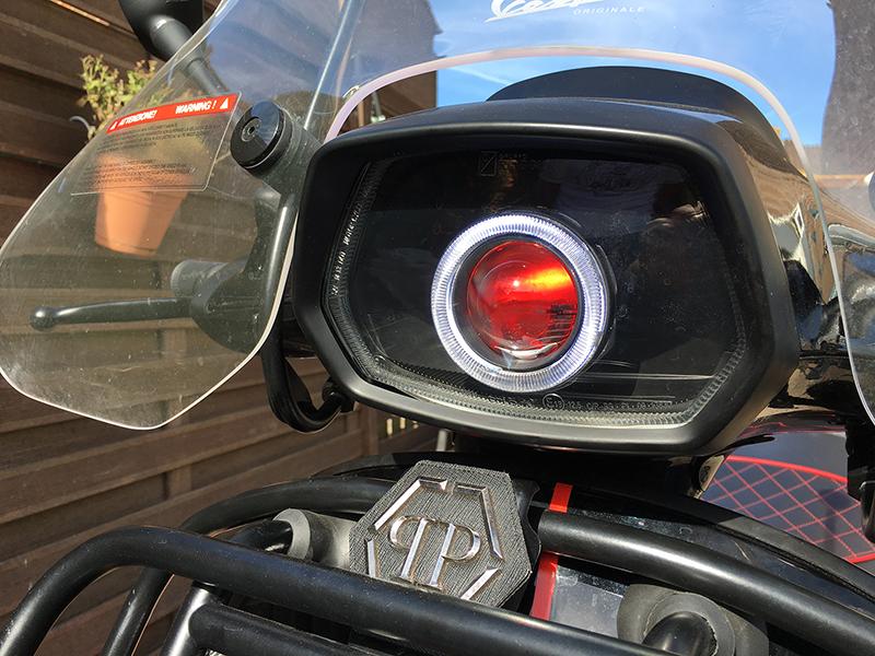 Hedendaags Angeleye scooter Vespa Piaggio Bluetooth RGB phone App Devileye VT-27