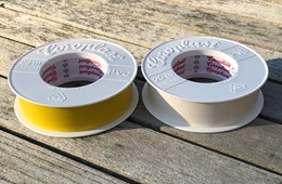Coroplast wit 25 mm PVC tape