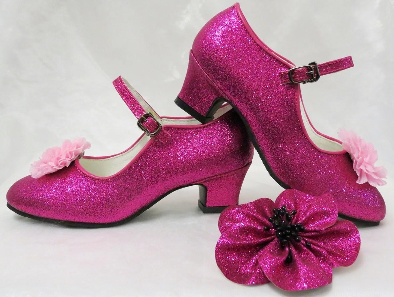 43a85db3b3ca48 De Mooiste Spaanse Flamenco Schoenen! Spaanse Flamenco Schoentjes met  Klik-Gesp en BloemBroche.