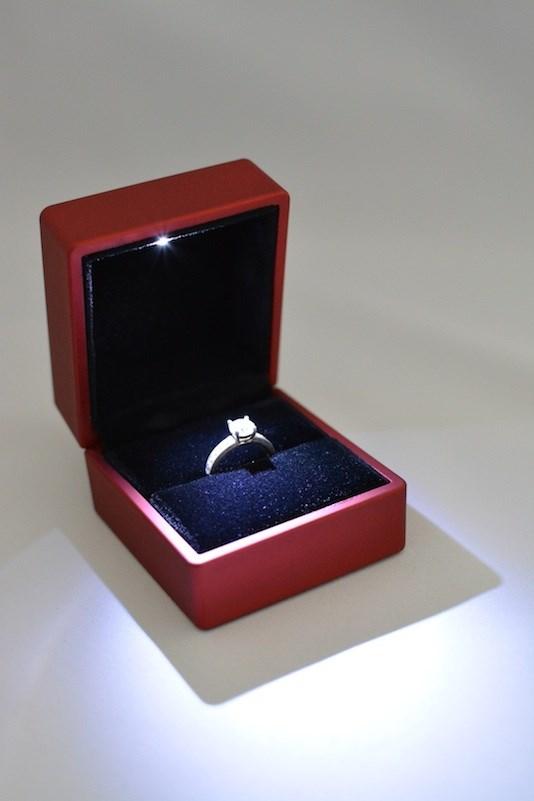 Wonderlijk Ringdoosje met licht, vierkant, rood FL-04